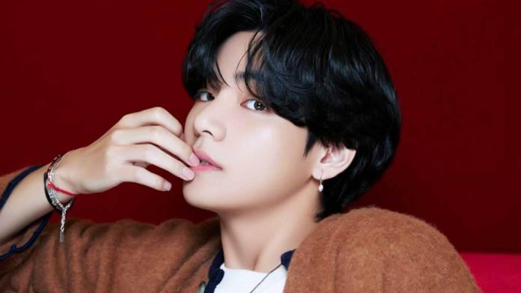 V (BTS) Top 10 most handsome kpop