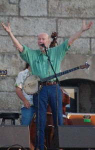 Pete_Seeger_at_Newport_Folk_Festival_2009