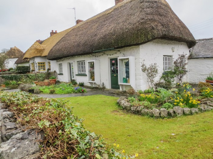 Adare, Ireland, Thatch Roof
