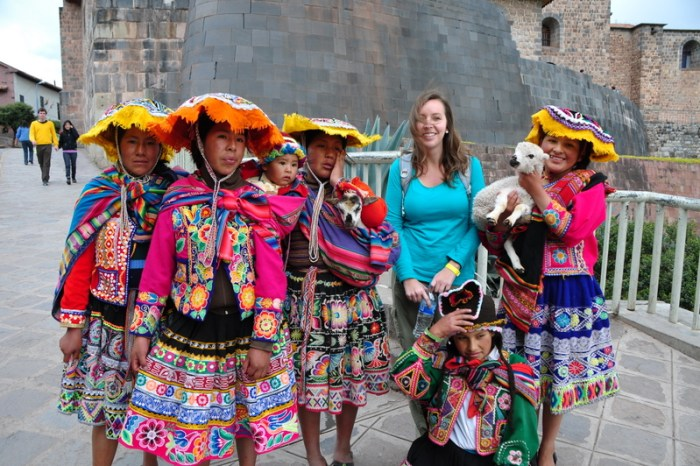 llamas cuzco peru scams