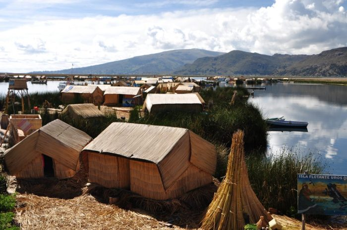 floating islands titicaca puno peru