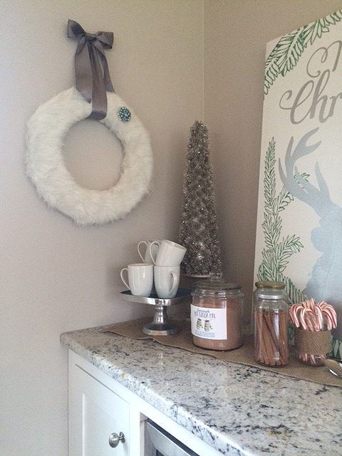 DIY faux fur wreath on wall