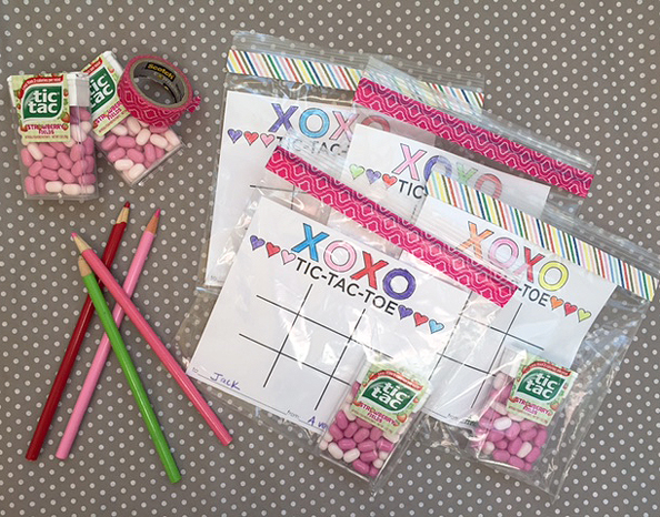 valentines day tic tac toe game card and free printable