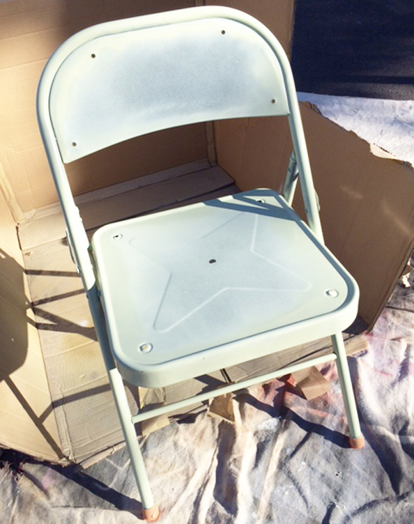 folding chair_spraypaint