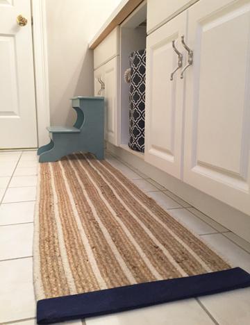 bath mat from table runner detail 3