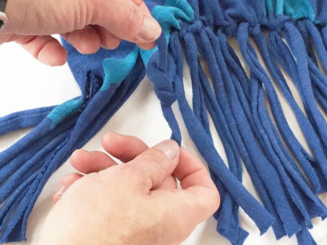 greco design_tieing knots