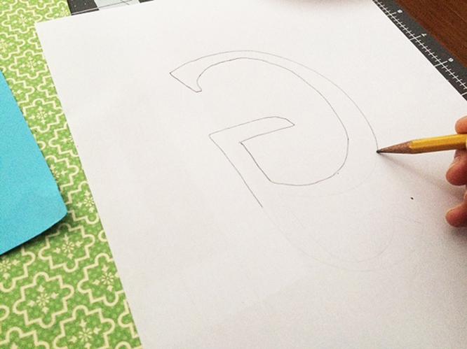 cut paper g tracing