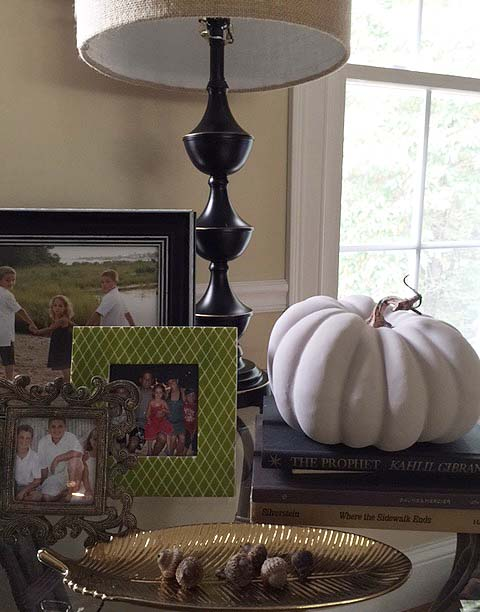 fall-decor-lv-room-table-detail