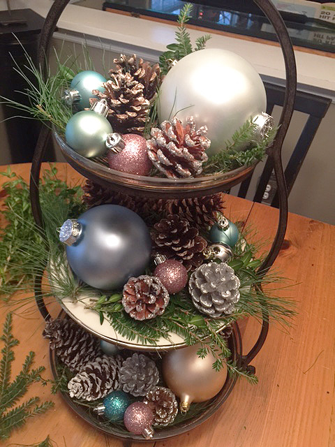 holiday-tiered-tray_mini-ornaments