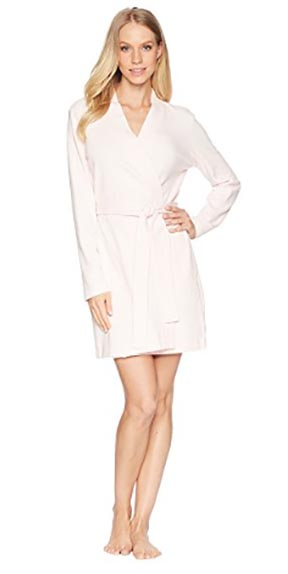 10 simple graduation gift ideas - UGG Robe