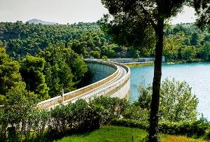 marathonas-lake