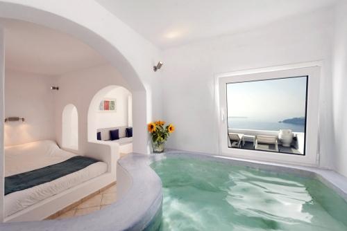 Pictures Of Regina Mare Hotel Imerovigli Santorini Greece
