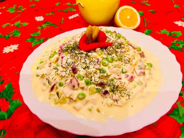 Keto Oliver Salad