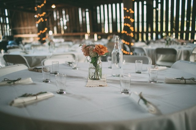 How to plan your Wedding Table Settings, Linens and rentals