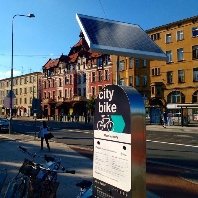 poznański rower miejski stacja panel fotowoltaiczny
