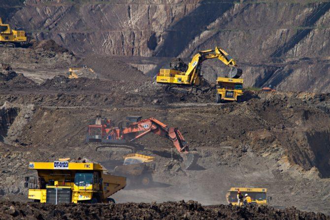 odkrywkowa kopalnia węgla Indonezja Dominik Vanyi