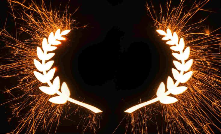 Laurel wreath in sparks