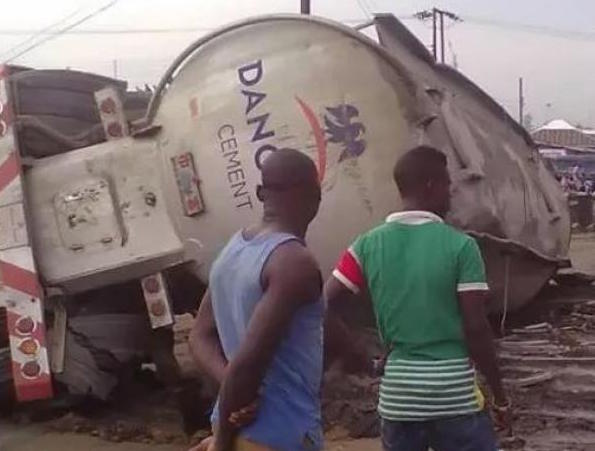 File photo: Dangote Truck involved in accident