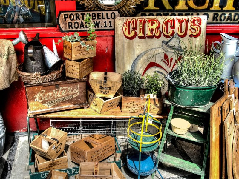 Essential Tips for Selling Household Items Online and Organizing a Yard Sale
