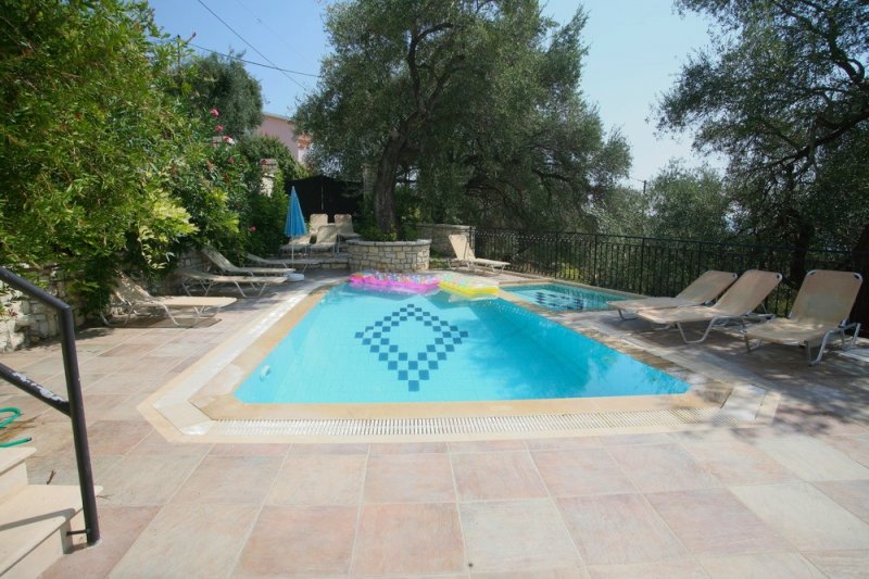 Aphrodite Apartments – ni205