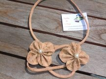 colar flor perola_Agulha de Cortiça