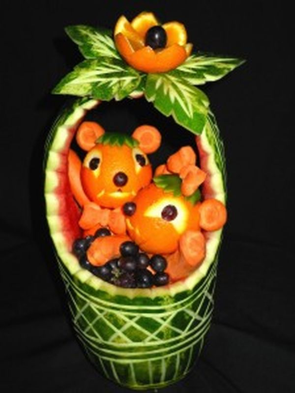 Amazing fruit and vegetable carvings to please your