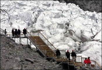 chinas melting glaciers risk people