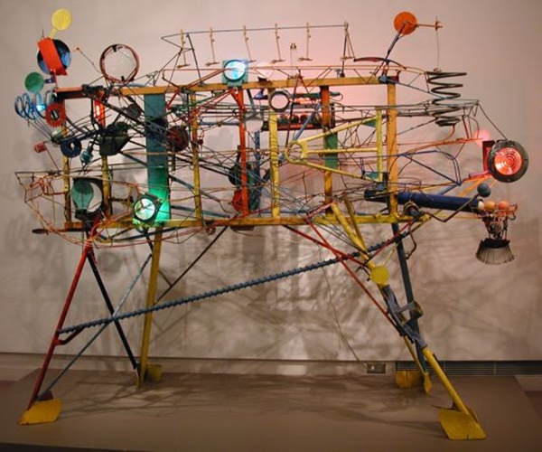 10 Most Amazing Kinetic Sculptures Made Using Recycled