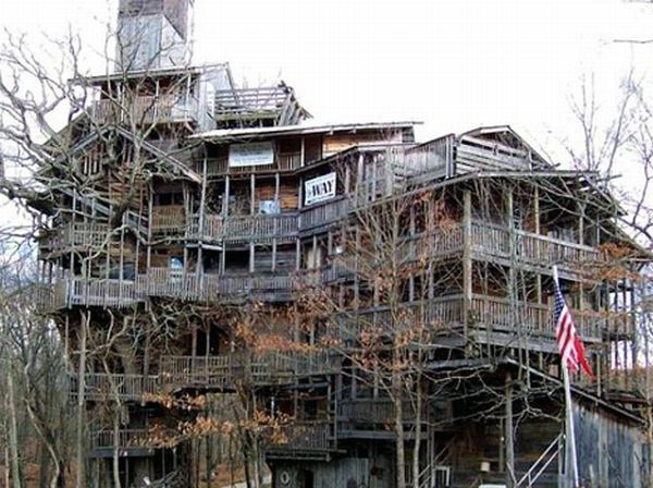 worlds tallest treehouse