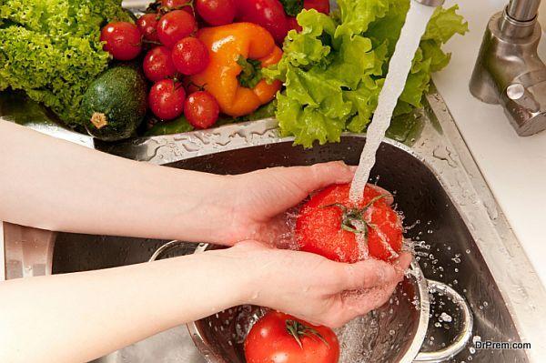 Splashing vegetables