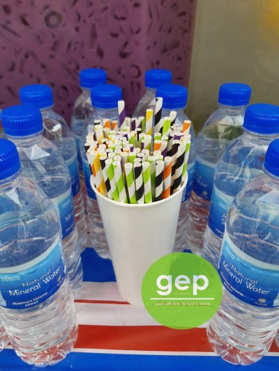 Colourful paper straws are simply eye-catching.