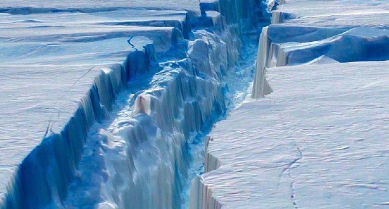 Antarctica's Larsen C Ice Shelf (Youtube)