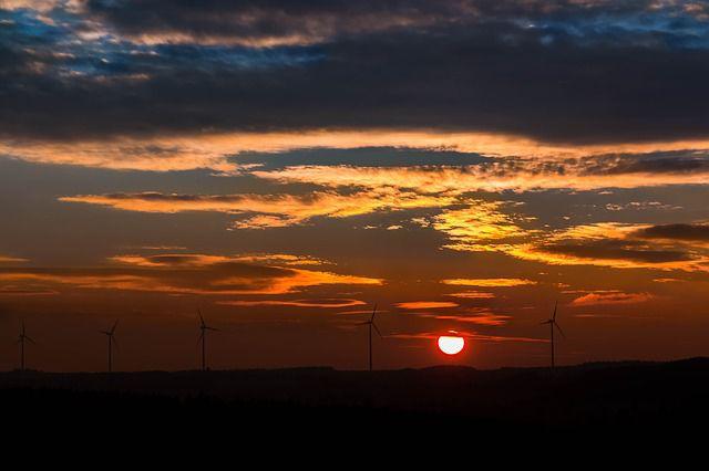 Iowa wind turbines (Photo by Pixabay)