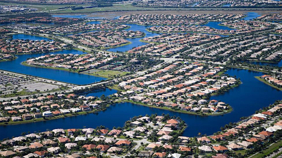 Canals in a Fort Lauderdale neighborhood (Credit: Alamy)