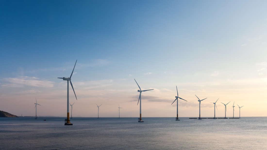 Offshore wind farm (Chuyuss | Shutterstock)