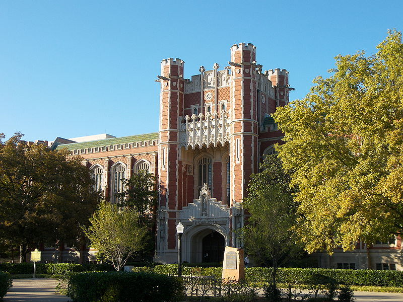 Bizzell Library, University of Oklahoma (tylerphotos, Wikimedia Commons)