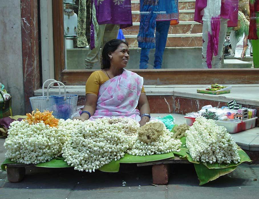 Chennai vendor (Photo: PlaneMad, Wikimedia Commons)