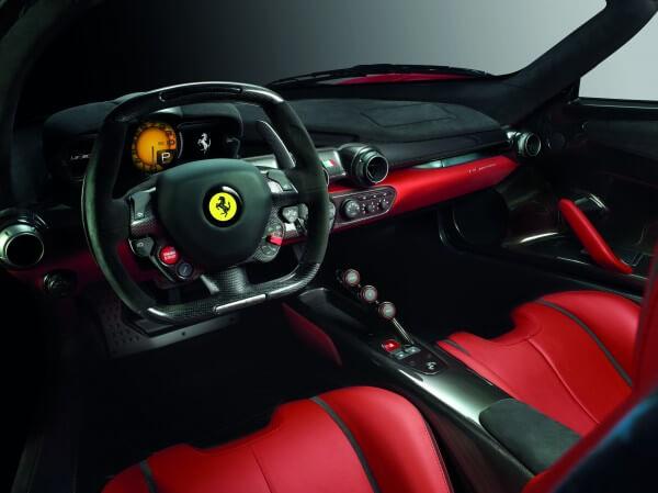 La Ferrari interior