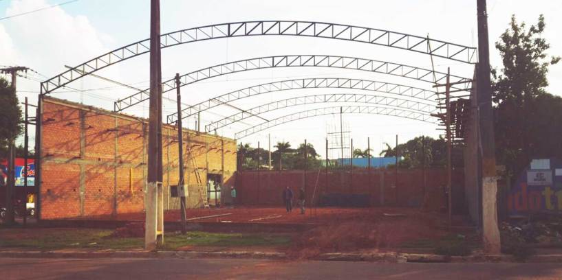 Warehouse Construction 161010: Roof Frame in place.