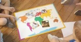 Colori - Montessori - GreenTI.fr - activité smartphone - carte du monde