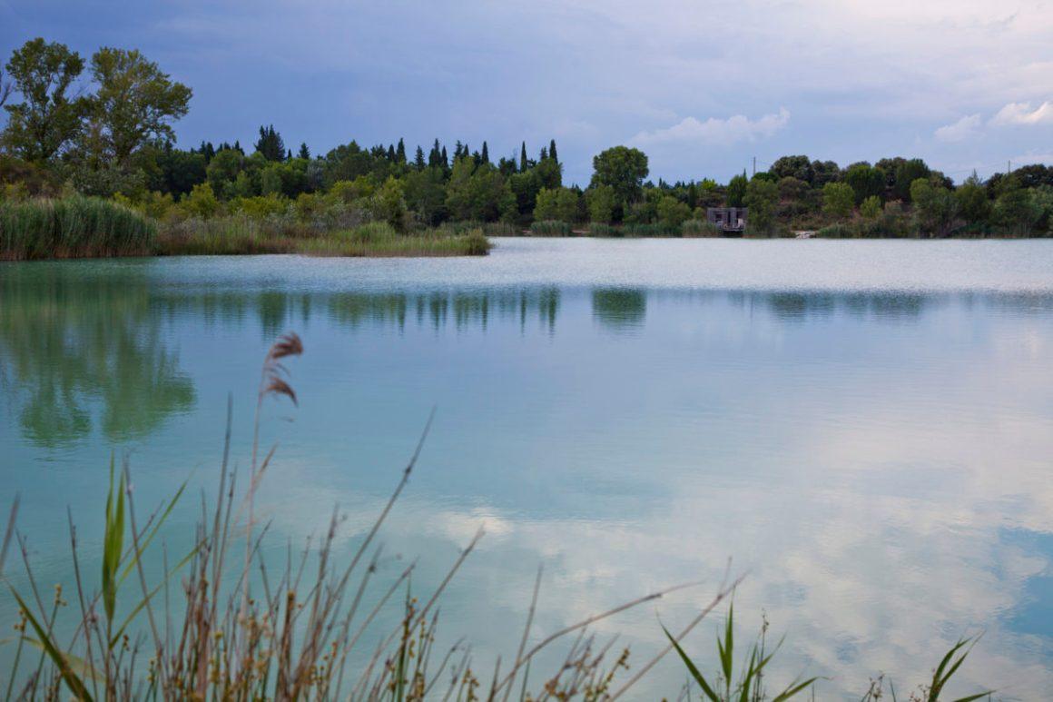 Reflets du lac, Coucoo Les Grands Cépages, Vaucluse, Provence. © Elodie Rothan