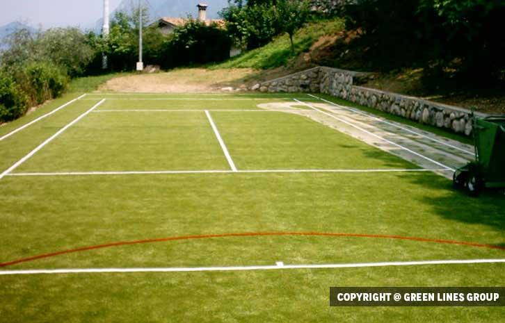 Realizzazione campo da tennis a Sale Marasino
