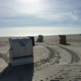 Bergwaldprojekt Amrum - Beach Huts | GreenMe Berlin on the road