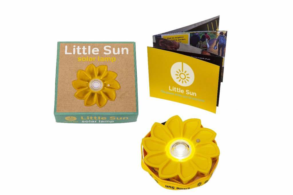 Little-Sun-Originalpackaginginfo-booklet_credit-Little-Sun