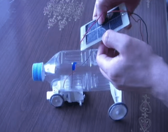 solar-powered-bottle-car