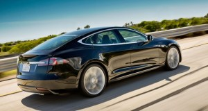 Tesla Model S - Soon to be Part of a 100-EV Fleet under Zappos.com's Project 100 Clean Transportation Sharing Program