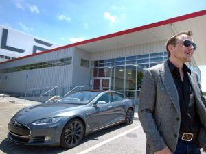 Elon Musk and the Flagship Tesla Model S