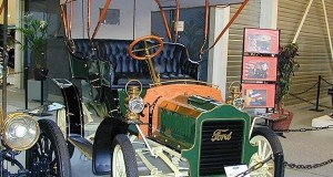 1904 Ford Model F, Not Quite the Competitor for Tesla Motors' Model E