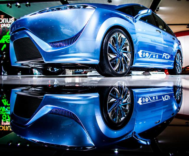 Toyota FCV set for production in 2015.