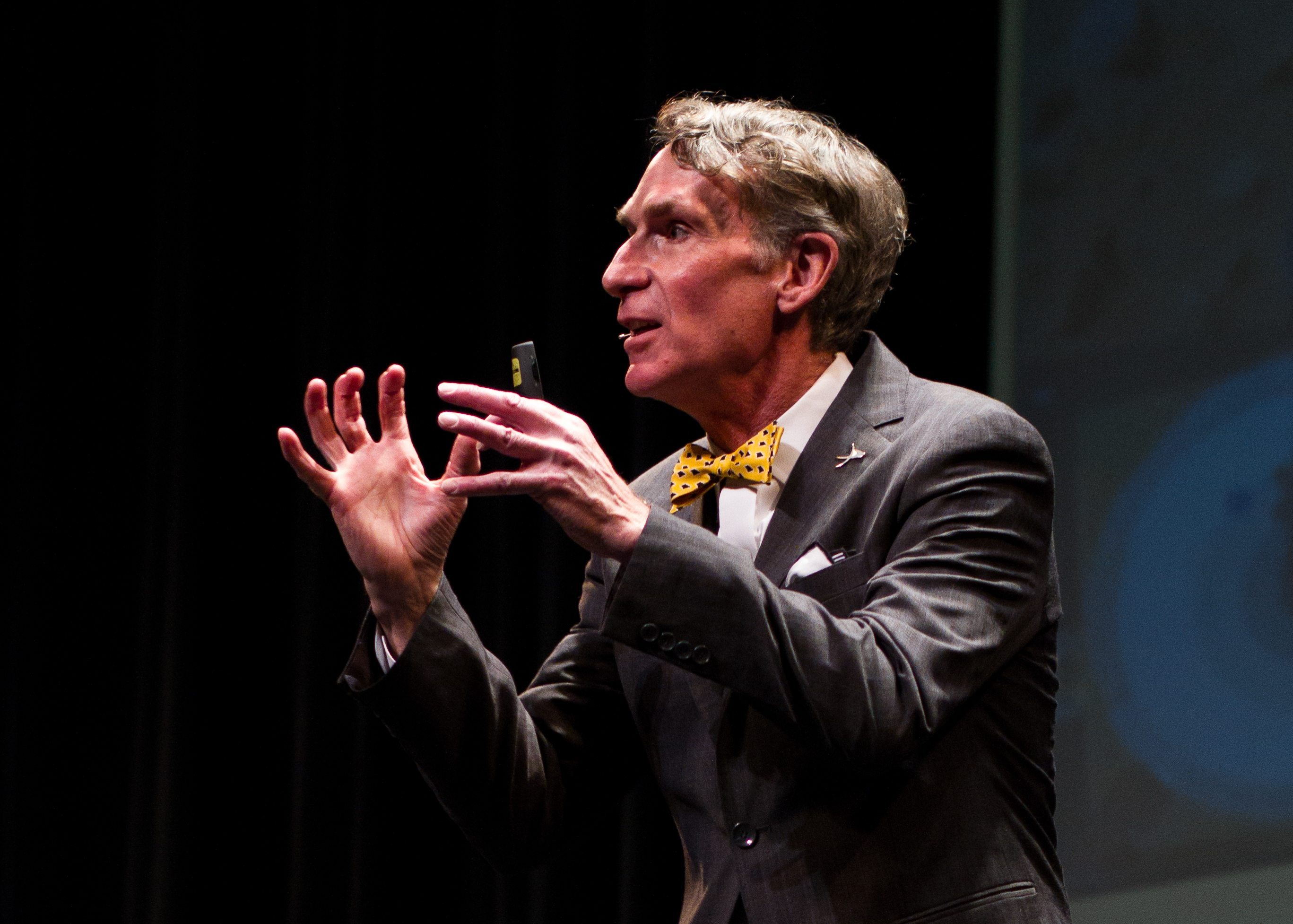 Watch Bill Nye The Science Guy Explains Gmos